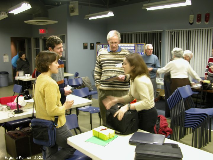 IMG 2003-Jan29 at NOCI Members' Night:  NOCI-MN-2003 discussing