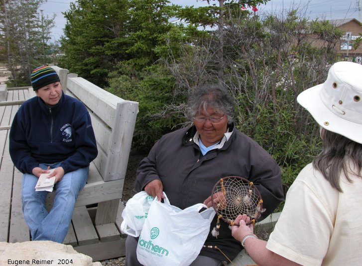 IMG 2004-Jul20 at town of Churchill:  group-2004 Inuit-woman+Dene-woman+Doris with LeVernes dream-catcher