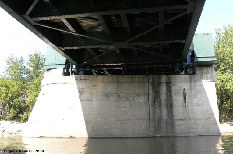 IMG 2009-Sep14 at Assiniboine River by boat:  bridge CNR railway bridge at the forks from below